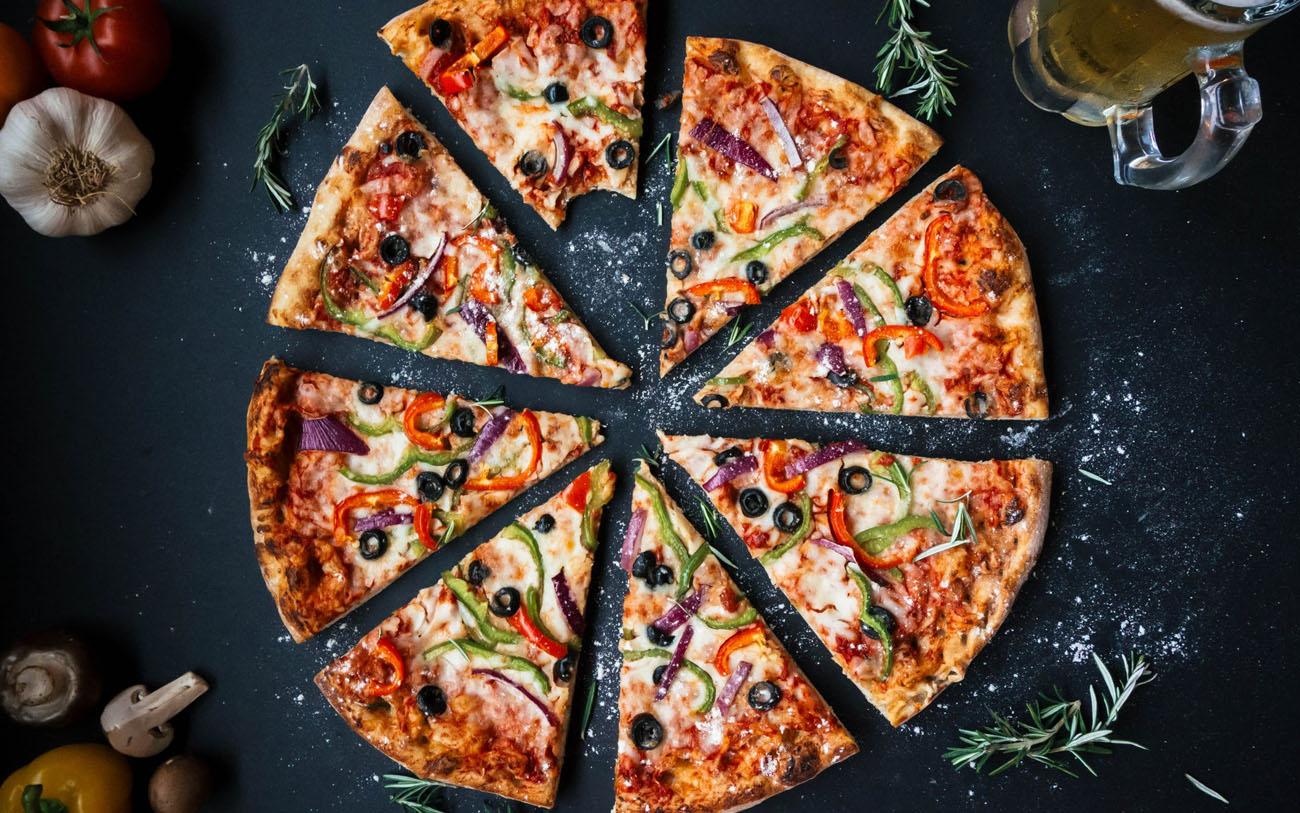 dlaczego-na-diecie-warto-jesc-pizze-i-ciasto